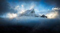 c09fbf8cbe18e2ebb27bfb89a3922011.jpg 599×337 pixel #mountain #photography #sky