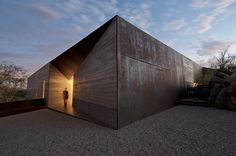 wendell burnette architects shapes desert courtyard house in arizona #home