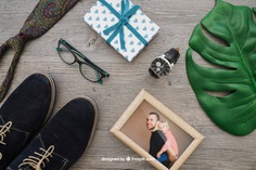 Masculine composition with photo frame Free Psd. See more inspiration related to Frame, Mockup, Love, Gift, Family, Leaf, Box, Clock, Gift box, Photo frame, Celebration, Happy, Photo, Gift card, Glasses, Present, Shoes, Mock up, Watch, Father, Fathers day, Celebrate, Tie, Happy family, Dad, Parents, Up, Day, Lovely, Greeting, Male, Objects, Daddy, Things, Composition, Mock, Fathers, June, Masculine, Familiar and Nineteen on Freepik.