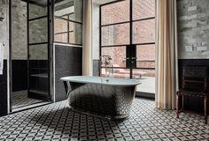 #ashlimizell #delanceytownhouse #tub #reflection #tile