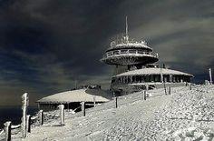 1018.jpg (JPEG Image, 640x422 pixels) #polish #frozen #observatory #outpost #czech #winter