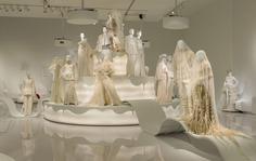 Installatie voor Gaultier door Makkink & Bey #sculpture #fashion #exposition #gaultier #design