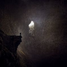 FFFFOUND! | tumblr_lbjzf6on0x1qz6f9yo1_1280.jpg (850×850) #cave #lonely #painting #alone #trapped