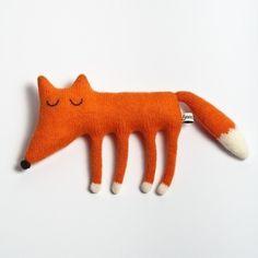 Résultats Google Recherche d'images correspondant à https://s3.amazonaws.com/assets.svpply.com/large/1323593.jpg?1333421407 #wool #plush #fox