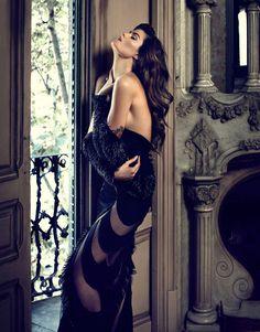 Изабели Фонтана в осеннем номере журнала El Pais #fashion #model #photography #girl