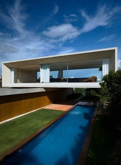 "Osler House by Marcio Kogan | Yatzerâ""¢ #house #osler #marcio #kogan #pool #architecture"