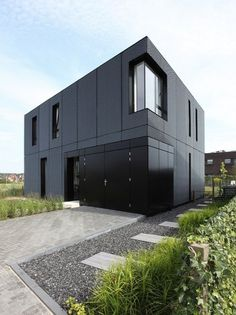 Buttoned-Up Metal Home - My Modern Metropolis #arnhem #netherlands #boetzkeshelder #by #architecture #designed