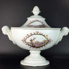 Neo-classical pomp Terrine: Meissen porcelain Marcolini-time to 1775/80, 1. Choice, port brochure, rare, very good. #porcelain