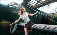 Beauty and Artistic Female Portraits by Maksim Kuzin