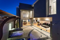 Modern Home Incorporating Cutting-Edge Technology: Port Coogee Residence #architecture #modern