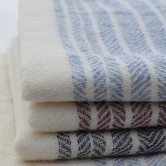 Luxurious organic towels made in Imabari, the cotton capital of Japan, using traditional slow-weaving techniques to bring out the natural softness of the material. They are as soft and silky as cashmere yet durable enough for everyday use.