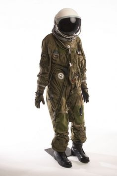 All sizes | U-2 Pressure Suit & Helmet | Flickr - Photo Sharing! #astronaut #retro #space #spaceman #suit