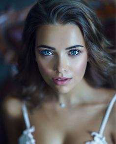 Beauty Female Portrait Photography by Ruslan Karabinin