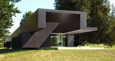 Linear House in defringe.com