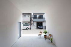 Little House with a Big Terrace by Takuro Yamamoto Architects. #carport #takuroyamamotoarchitects #simplicity