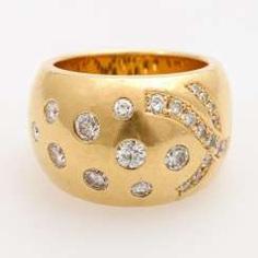 Wide ladies ring with diamond trim
