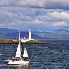 Ollie Hooper #boating #mull #sea #isle #boat #blue #ske #skye