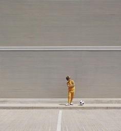 Playful and Minimalist Street Photography by Emilio Chulià