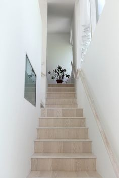 House M-M / Tuomas Siitonen Office | ArchDaily #home office #stairs