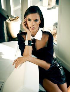 Alessandra Ambrosio для журнала Vogue Brazil #model #girl #photography #portrait #fashion #beauty