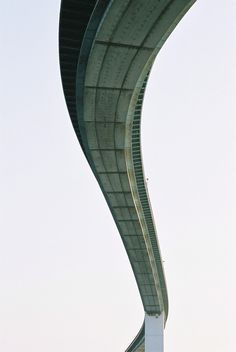 CJWHO ™ (なみはや大橋 by Jeremy McMahon Bridge in Osaka, Japan,...) #osaka #design #photography #architecture #bridge #japan
