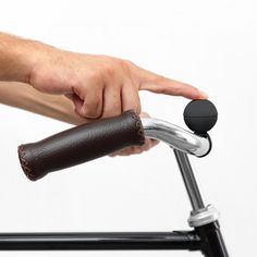 Magnetically attach this bell to your bike's handlebars. #productdesign #industrialdesign #modern
