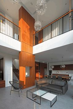 Modern Villa Maximizes Light and Space in Vietnam 4