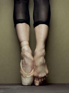 ballet en pointe.jpg (680×912) #detail #ballet #en pointe