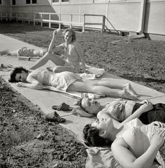 Shorpy Historical Photo Archive :: The Rites of Spring: 1943 #photography