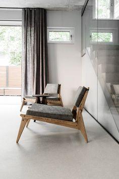 Corner sitting area. House on Prenzlauer Berg by Loft Kolasiński. © Karolina Bak. #livingroom #corner