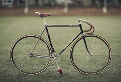 Kinfolk Autumn #fixie #classic #black #bike #brooks