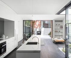 Glebe Red House / Benn & Penna Architects