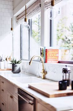 dreamy brass kitchen fixtures / sfgirlbybay #interior #design #decor #kitchen #deco #decoration