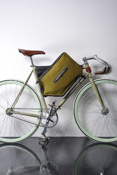 Bicycle Case by João Pedro Filipe #accessories #bags #bicycle #commuting