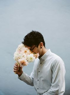 parkerfitzgerald_kinfolk_06 #fashion #photography #portrait #flowers