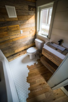 How to Combine Tile and Wood Flooring