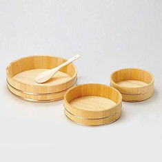 Sushi & Rice Mixing Tub Crafted from Japanese Sawara wood, this Sushi & Rice Mixing Tub is handmade and perfect for making and mixing rice and rice dishes. The large, flat surface allows for even seasoning and cooling, and the hinoki wood absorbs excess unwanted moisture.