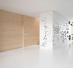 Google Image Result for http://www.stylepark.com/db-images/cms/architecture-article/img/v307946_958_480_450-2.jpg #feature #wall