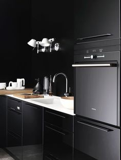 The Design Chaser: Black Kitchen Inspiration #interior #design #decor #kitchen #deco #decoration