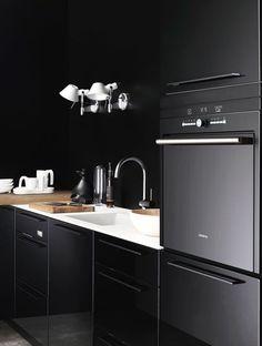 The Design Chaser: Black Kitchen Inspiration #interior #design #decor #kitchen #deco #decoration