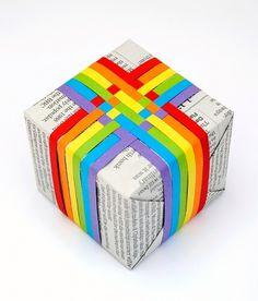 Woven paper gift topper | Mini-eco #woven #rainbow #paper