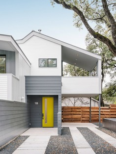 Clawson Duplex: Adult Tree Houses Take Root in Austin, Texas