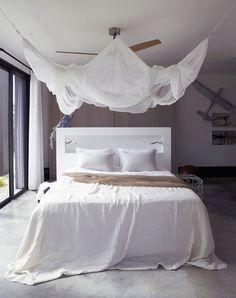 CJWHO ™ (White Luxury Beach Bedroom by Piet Boon This...)
