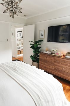 Interior Design, bedroom, storage, bed