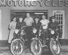 Famous Men and Their Motorcycles | The Art of Manliness #type #photography #motorcycles