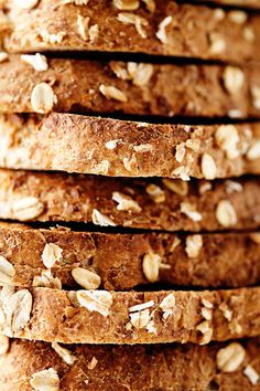 simple breakfast recipe | designlovefest #oats #food #crust #brown #light #bread #wheat