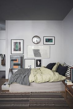 One Pic Wednesday: Saša Antić's home in Hej Kreativa Hem - emmas designblogg #studio #apartment #bed