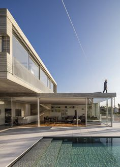 Modern Duplex House Features a Minimalist and Balanced Architecture in Tel-Aviv 1