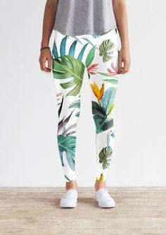 White tropical leggings by KFKS store #leggings #kfksleggings #surf #clothing #surfwear #casual #sport #yoga #yogaleggings #design #pattern