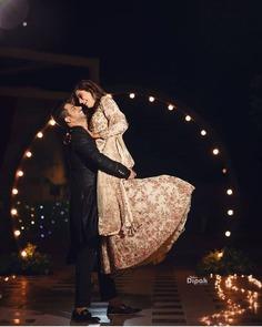 Couple Wedding Photography Pose
